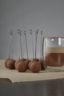 rye-ganache-spheare-in-milk-chocolate
