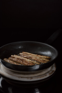 fried-asparagus-food-drink-photography-berlin
